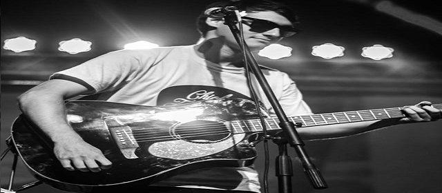 """EL CANTAUTOR CHICHO FERNÁNDEZ LANZÓ SU NUEVO TEMA MUSICAL """"NO SEAS UNA MÁS"""""""