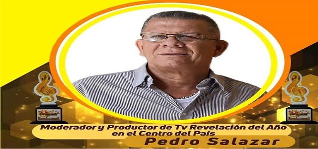 FUNCULATINO RECONOCE LA LABOR DE PEDRO SALAZAR