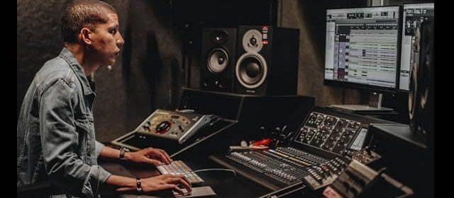 EL PRODUCTOR MUSICAL LUBBI COLINA MUESTRA DE UN VENEZOLANO LUCHADOR